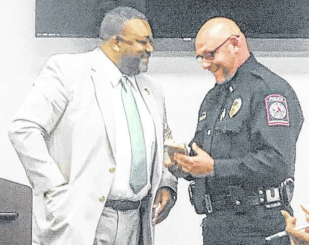 Lt. Kelly honored for assisting local man